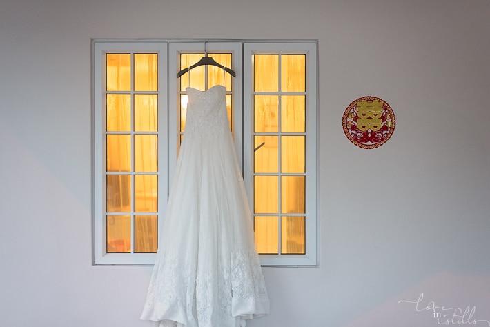 Chong Jin & Hui Lin AD. Photography by Loveiinstills. Gown shoot