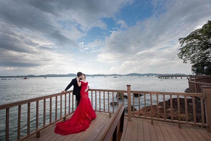 Sin Cheng and Serene Prewedding in Singapore, Changi Board Walk